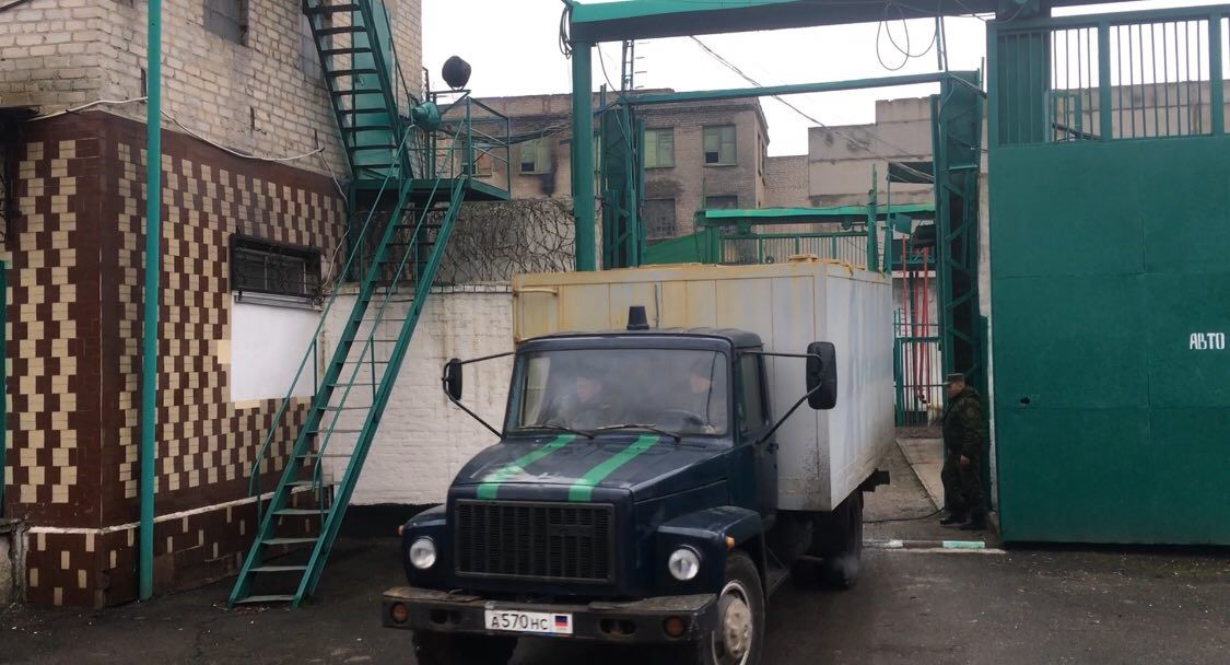 С колонии в Макеевке уже вывезли пленных \ Фото: InsideDonetsk