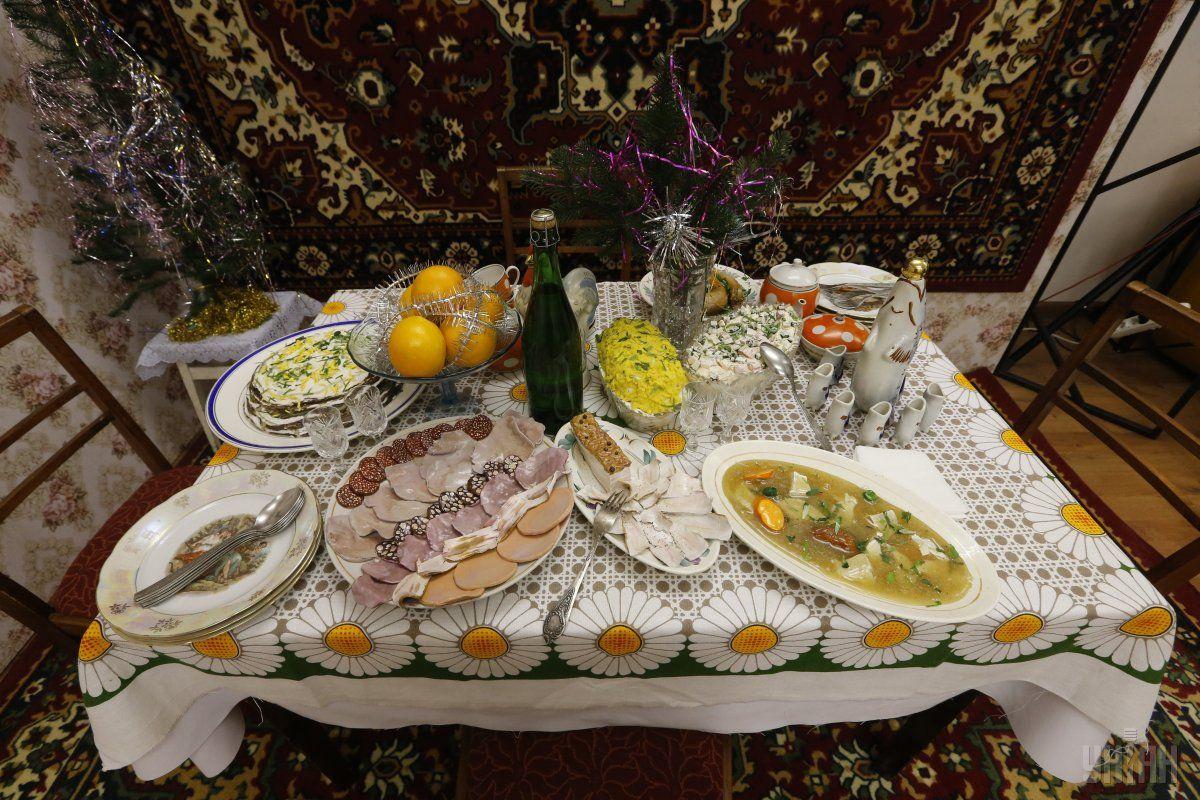 Експерти спрогнозували, як зміняться ціни та меню новорічного столу / фото УНІАН
