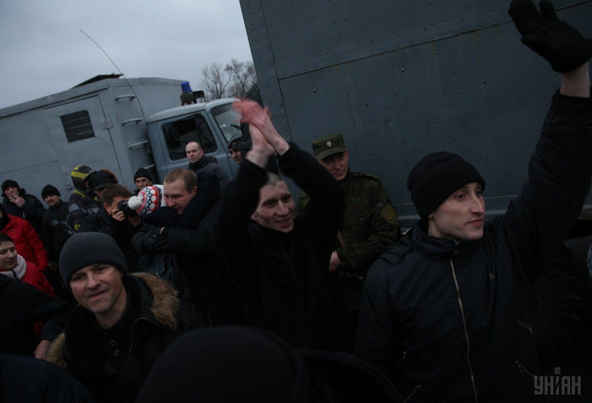 Освобожденные пленники встретились с Порошенко / фото УНИАН