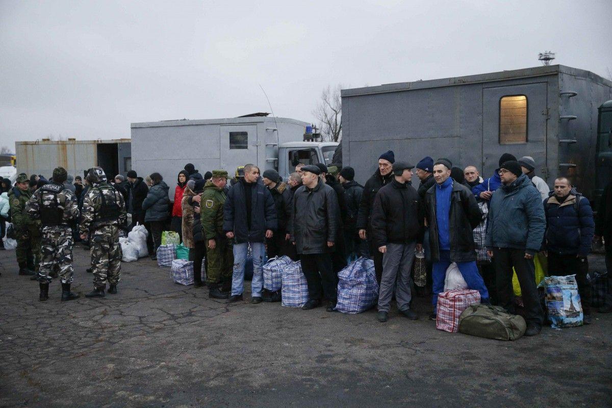 Место обмена пленными на Донбассе 27 декабря / REUTERS
