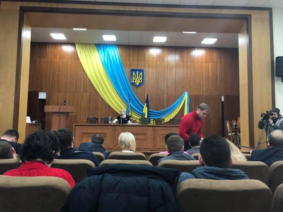 Наш гимн был прерван российским / фото facebook.com/Володимир-Карплюк