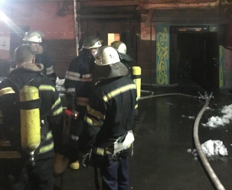 В центре Киева горел салон красоты / фото kyiv.dsns.gov.ua
