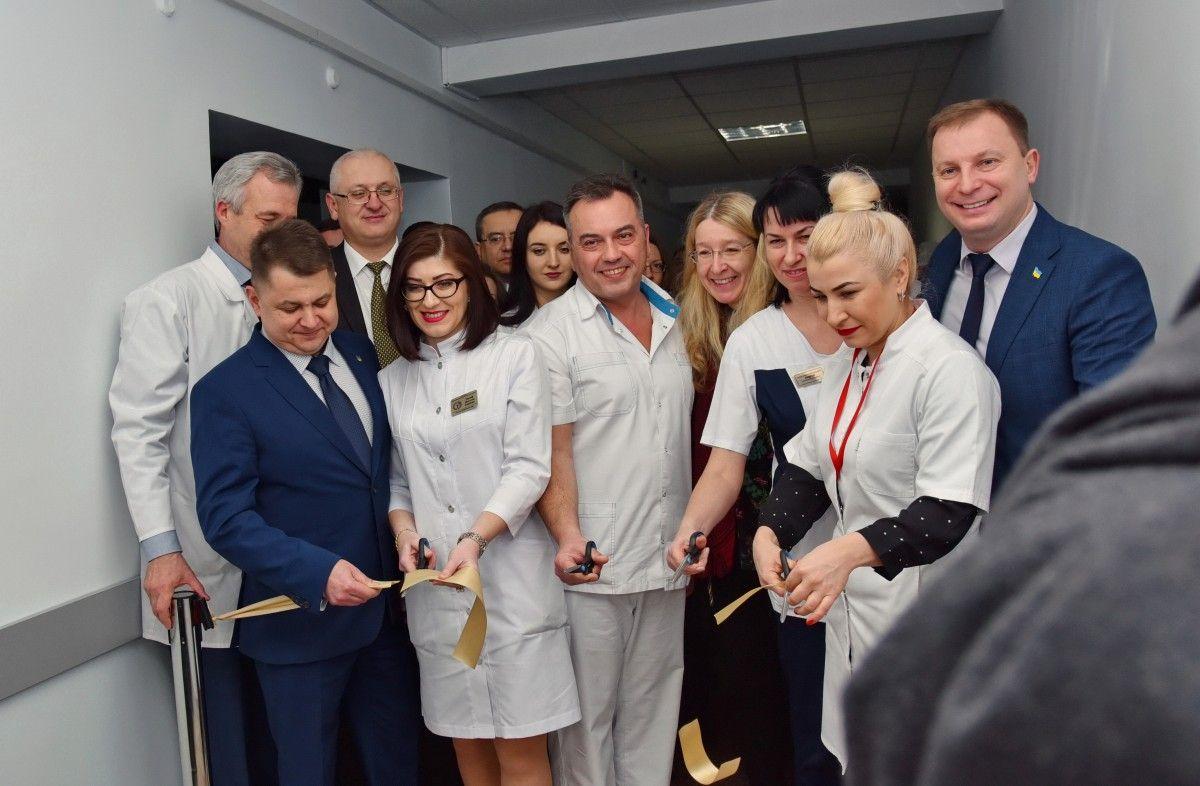 Відкритий цього тижня Центр політравми в обласній університетській лікарні міністр охорони здоров'я Уляна Супру назвала найкращим в Україні / фото – УНІАН