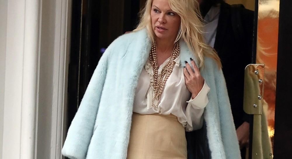 Відома голівудська актриса Памела Андерсон вказала на «епідемію»  асексуальної поведінки і допустила 48d1de7354494