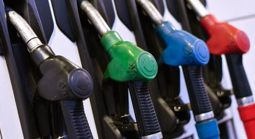 """Експерт спрогнозував, що буде з цінами на АЗС після """"нафтових"""" обмежень Росії"""