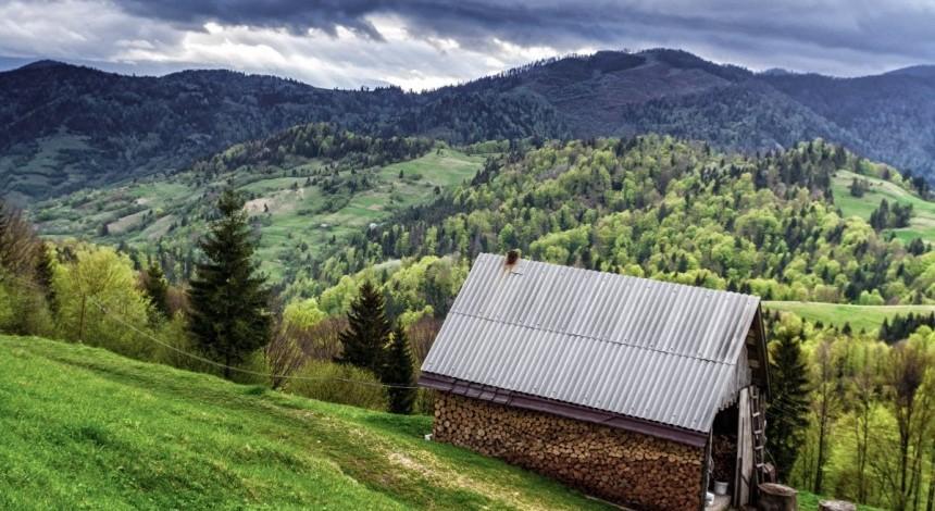 Сегодня отмечается Международный день гор: интересные факты о Карпатах и Крымских горах (видео)