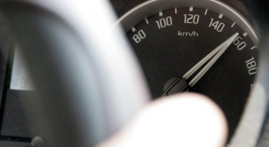 """""""Це суцільний чемпіонат з автоперегонів"""": журналісти спробували їздити Києвом за новими обмеженнями швидкості"""