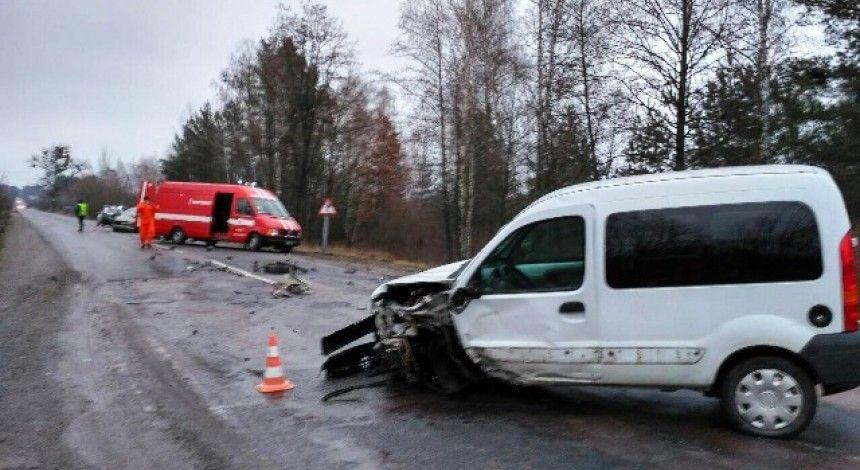 На Житомирщині рятувальники двічі за добу ліквідовували наслідки аварій (фото)