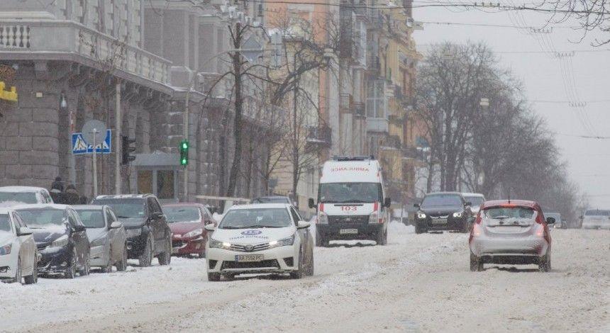В Киеве из-за ожидаемой непогоды ограничили въезд для грузовиков