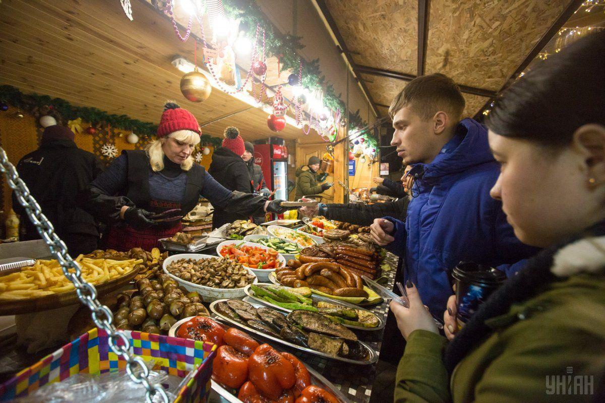 Мясные новогодние блюда невероятно коварны: этот настоящий кладезь калорий / фото УНИАН