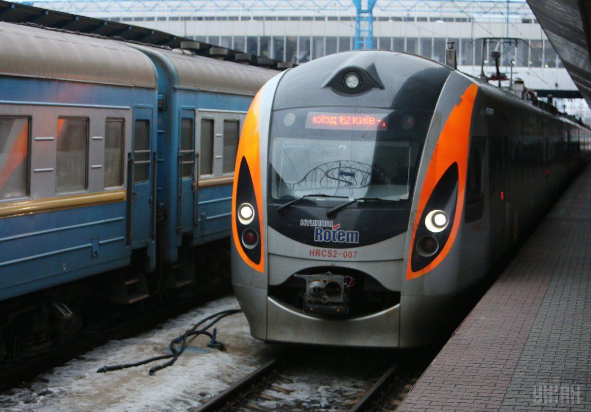 """Поездом """"четырех столиц"""" воспользовалось уже 36 тысяч пассажиров / фото УНИАН"""
