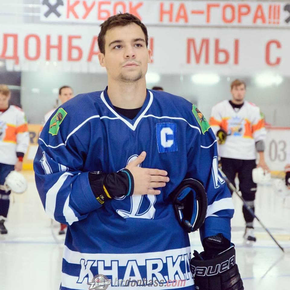 Сейчас чаще всего случается, что тот или иной селекционер может выйти на хоккеиста через Facebook \ Instagram Владимира Чердака