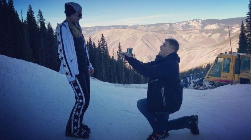 Пэрис Хилтон приняла предложение руки и сердца от своего возлюбленного актера Криса Зилки / скриншот