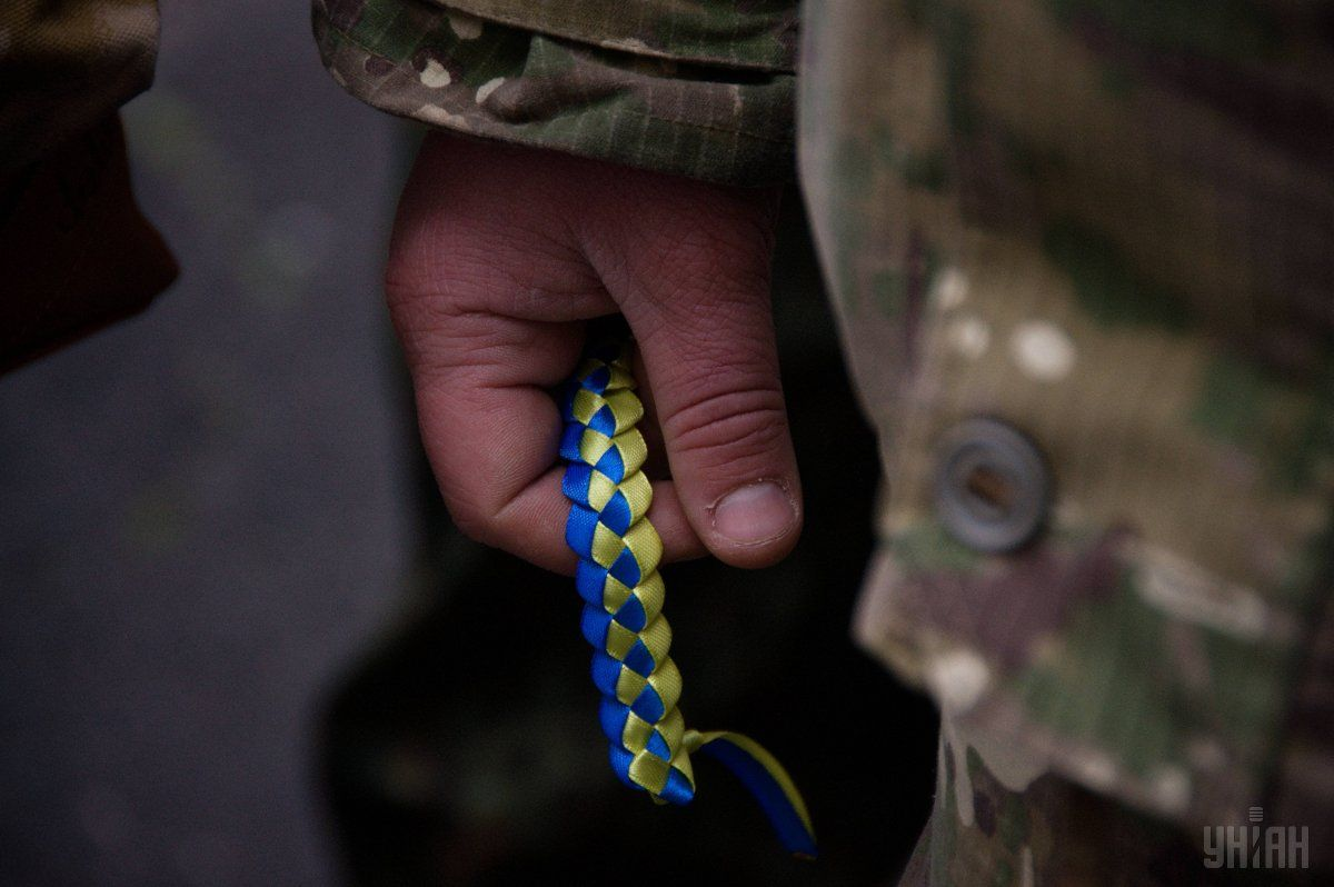 Ранено одного украинского защитника \ фото УНИАН