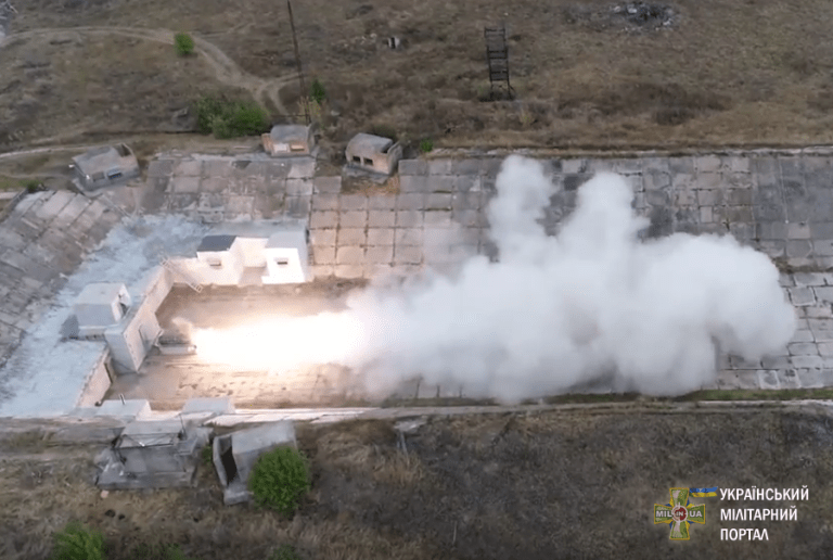 Прошли испытания ракетного двигателя / фото УМП