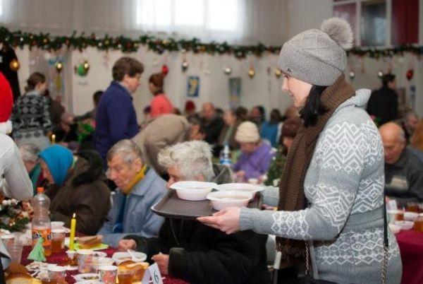 Три обеда для 400 малообеспеченных проведут в Киеве в день Рождества Христова