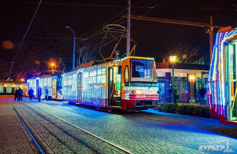 Трамвай наїхав на жінку-пішохода / фото uc.od.ua
