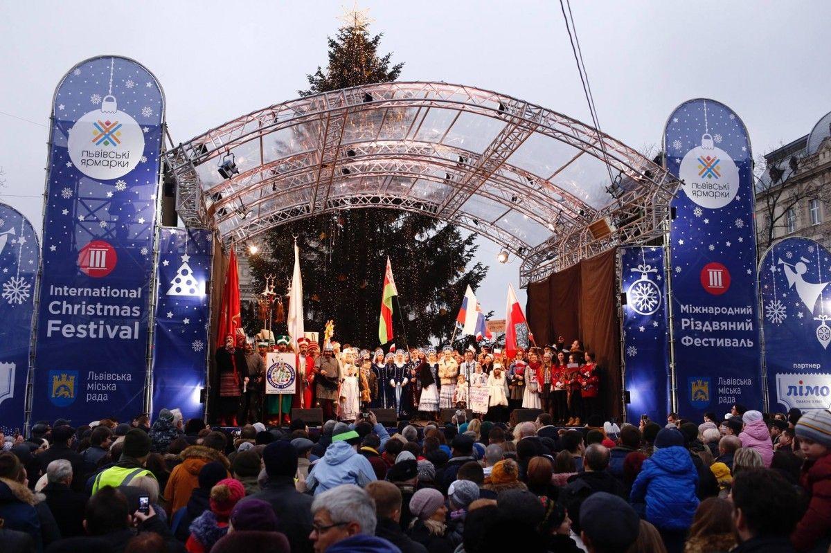 Во второй день фестиваля пройдет рождественский флешмоб / facebook.com/yarmaroklviv