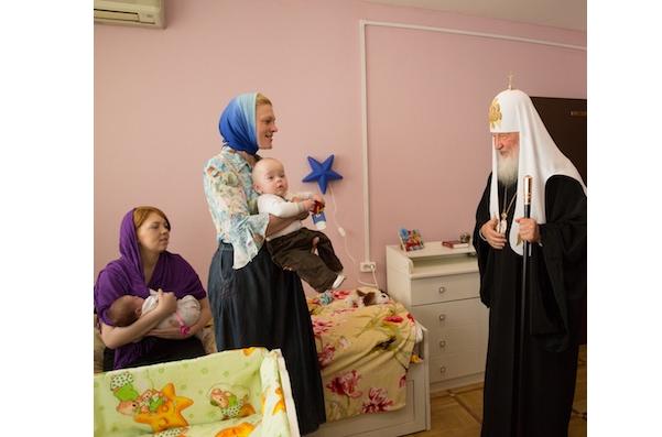 В Рождество Патриарх посетил кризисный центр для женщин / diaconia.ru