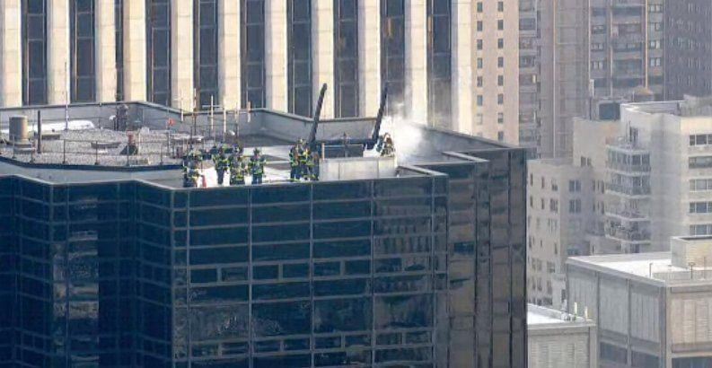 Пожар произошел на крыше / скриншот