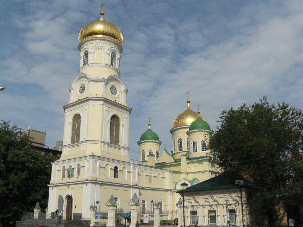 Неизвестные зашли внутрь Свято-Троицкого собора / touristclub.kiev.ua