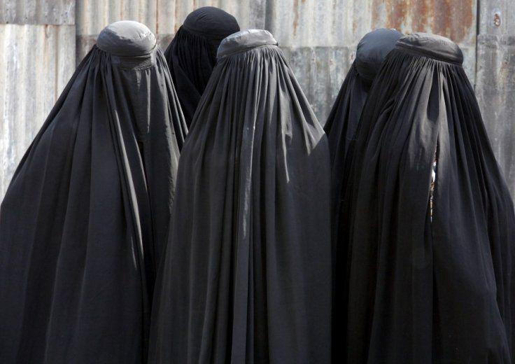 Швейцарцы хотят запретить носить бурку в общественных местах / og.ru