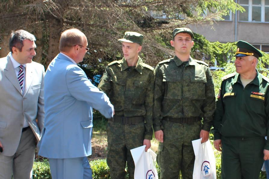В 2017 году значительно выросло количество крымчан, призванных в армию РФ / фото facebook/crimeahrg