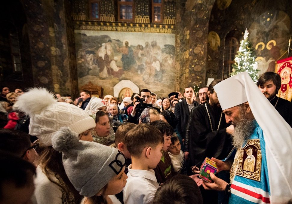 После богослужения Предстоятель принимал поздравления паствы / news.church.ua