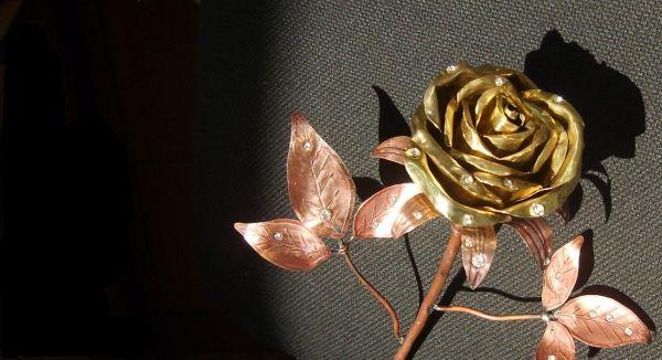 Вівтар прикрасять квітами з жерсті / Steampunker.ru