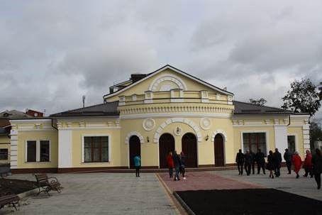 Работы над восстановлением театра начались в 2015 году / фото УНИАН