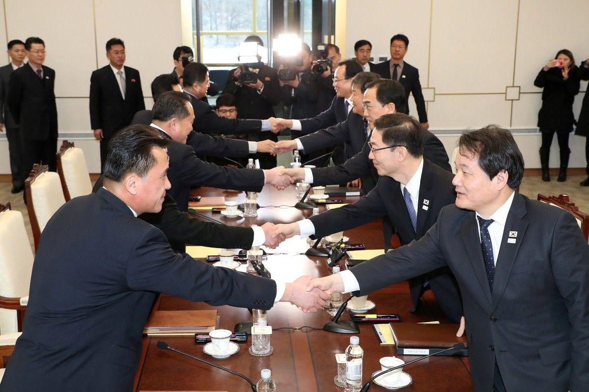 Переговоры между делегациями Южной и Северной Кореи 9 января 2018 года / REUTERS