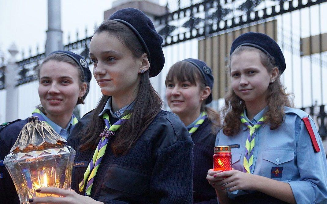 огонь из Вифлеема скауты привезли в Спасо-Преображенский храм Гомеля / katolik.life