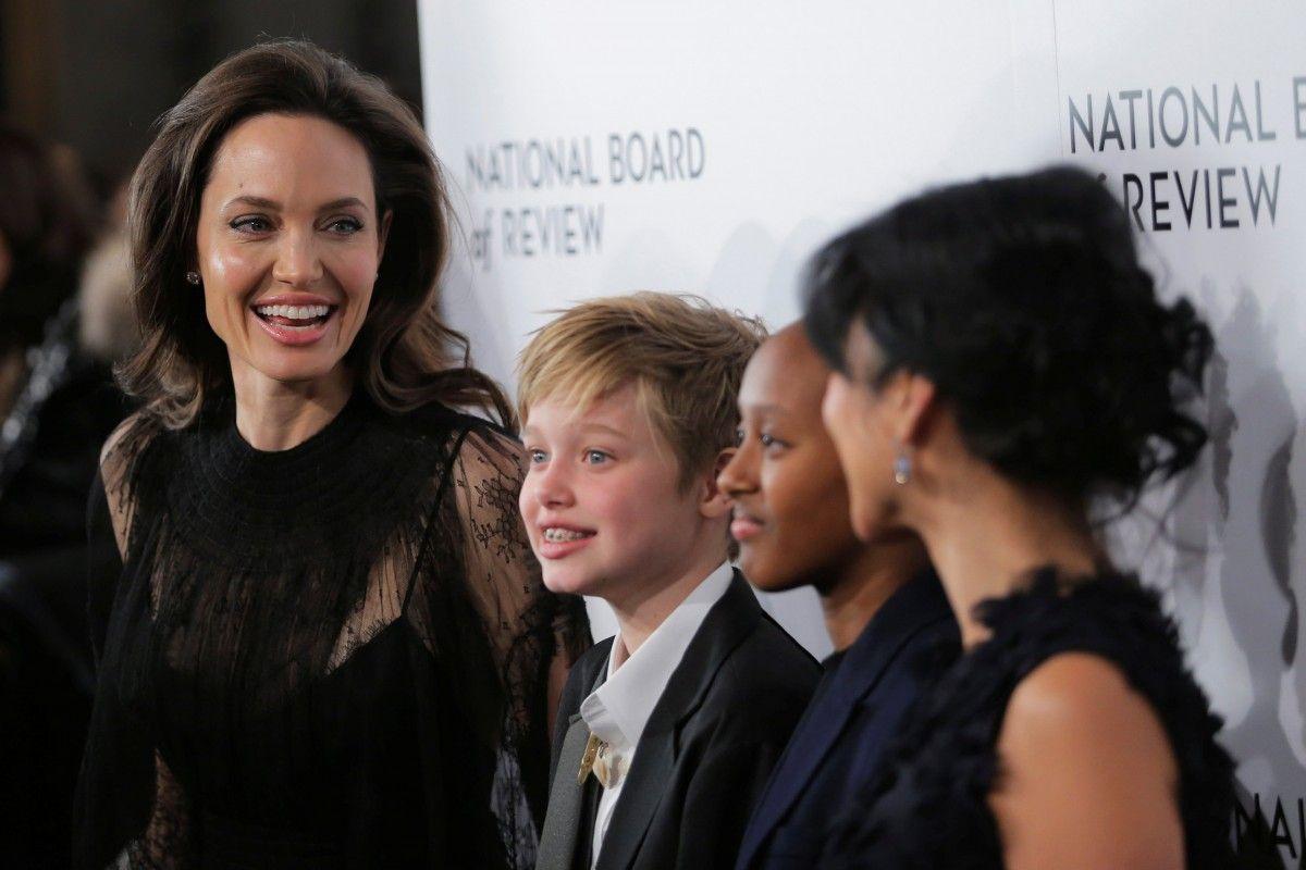 Анджелина Джоли, Шайло и Захария Джоли-Питт / REUTERS