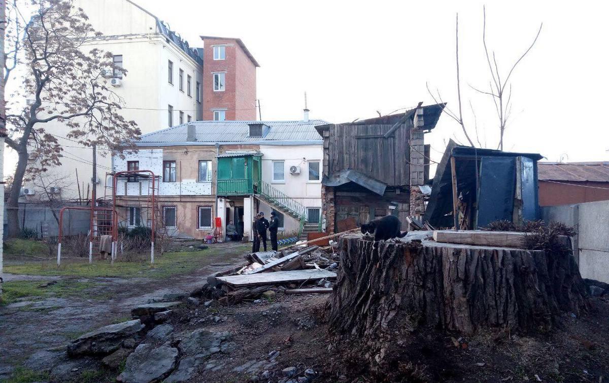 По приїзду аварійної бригади з'ясувалося, що від газу відключено кілька квартир / Фото dp.informator.ua
