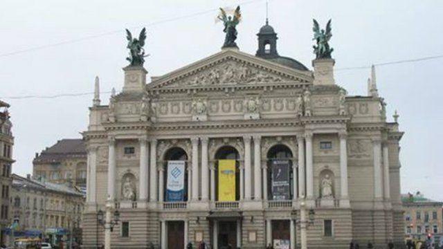 Руководство Львовского театра оперы и балета пока не комментирует обвинения в отношении солиста / фото zaxid.net