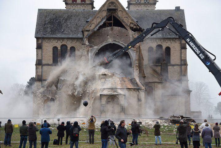 Строительство этой неороманской базилики завершилось в 1891 году / n-z.tv
