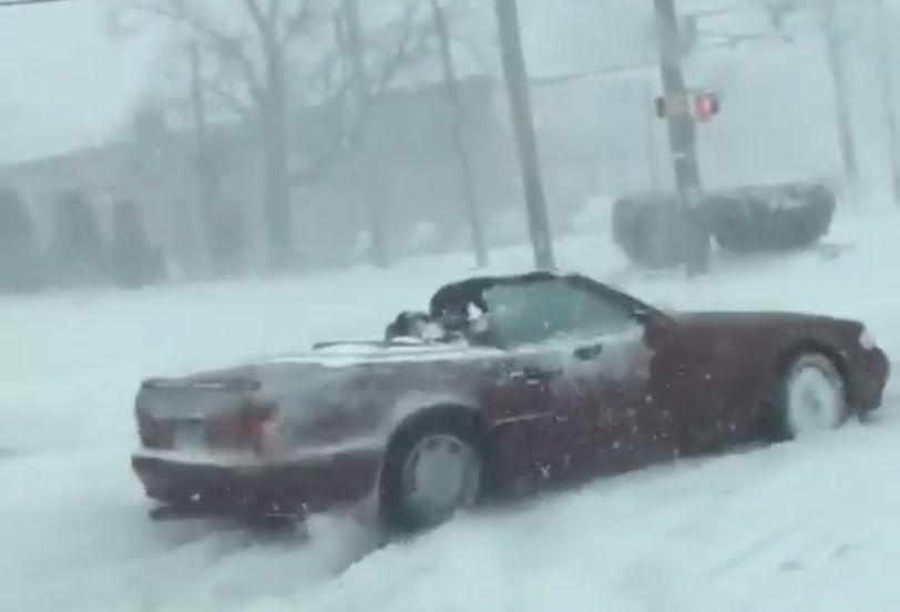 В США отчаянный водитель