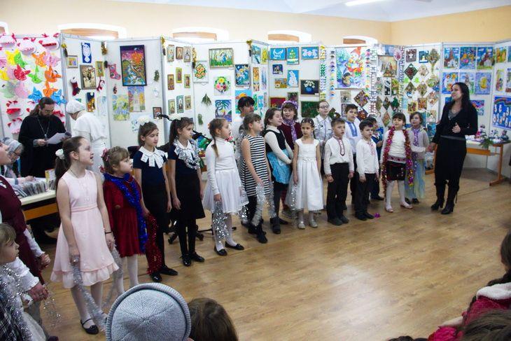 У роботі виставки взяли участь вихованці недільних парафіяльних шкіл