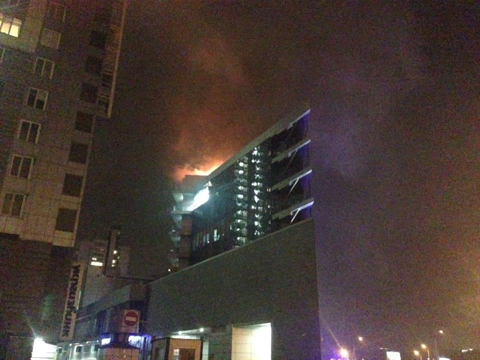 Вогонь добрався з першого поверху на дах / Фото facebook.com/zalina.kriukova