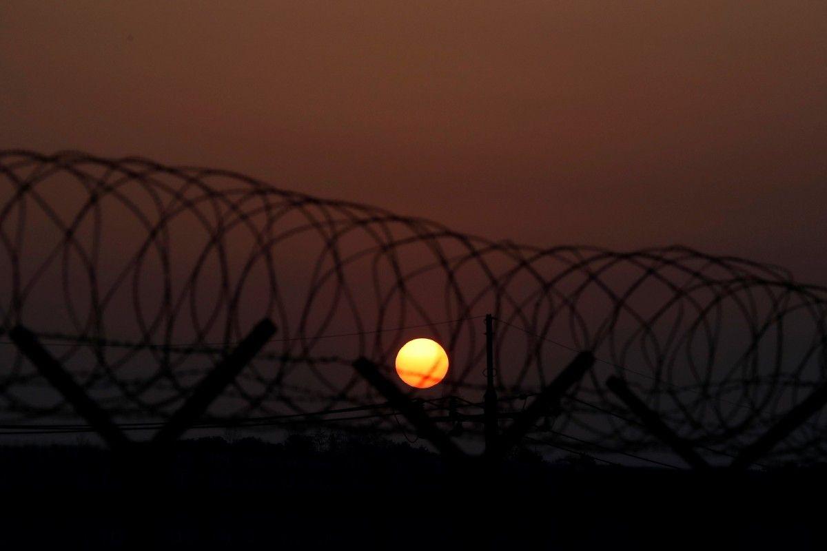 Демилитаризованная зона, разделяющая Южную и Северную Кореи, 9 января / Kim Hong-Ji / REUTERS