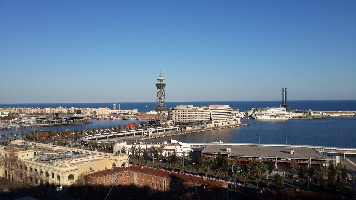 Порт Барселоны, иллюстративное изображение / фото Alexander Topchiy
