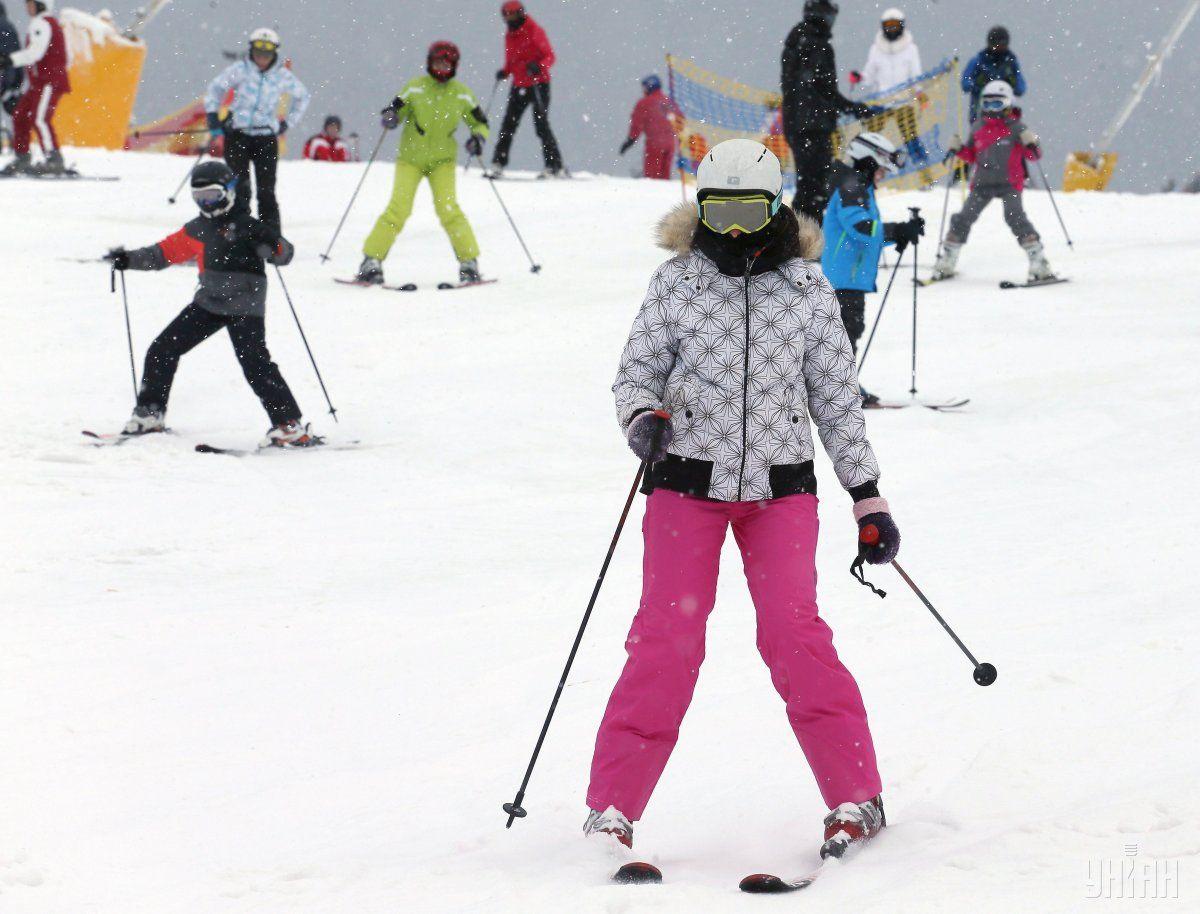 Во время усиленного карантина могут работать горнолыжные курорты / фото УНИАН
