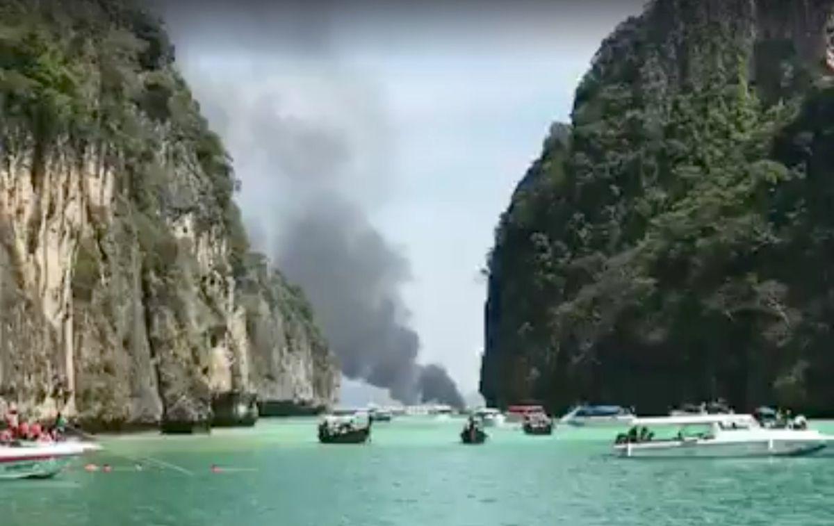 УТаїланді вибухнув катер зтуристами: 16 постраждалих