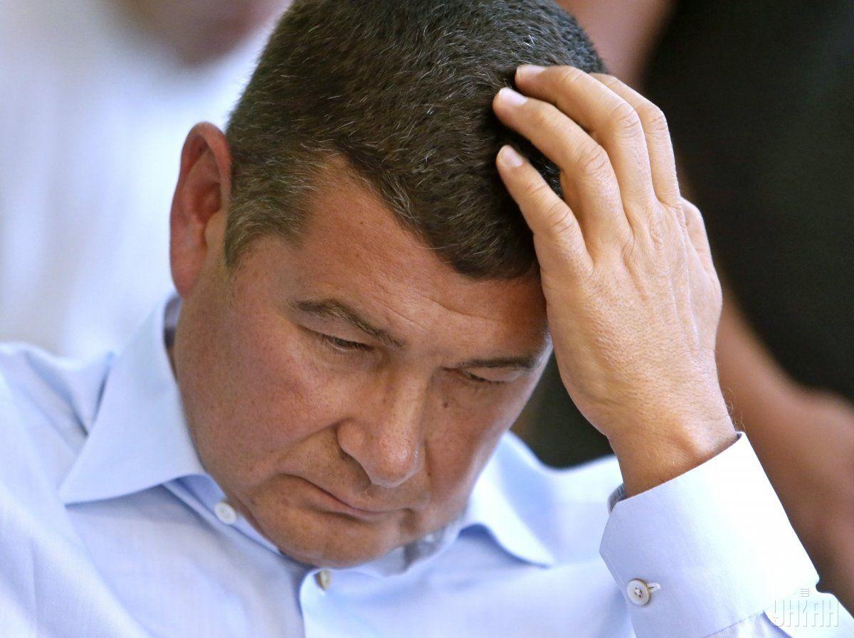 Пользуясь депутатской неприкосновенностью, Онищенко бежал из Украины \ фото УНИАН