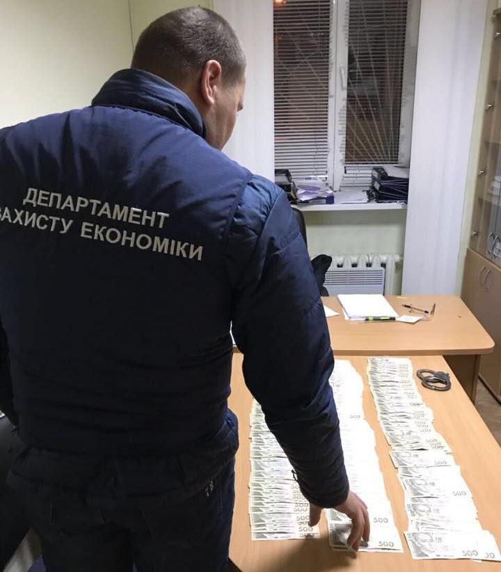 Задержанных подозревают в хищении бюджетных средств / фото facebook.com/LlutsenkoYuri