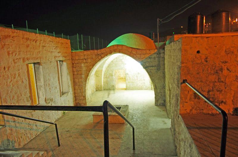 Гробница Йосефа в Шхеме / curiousalex.livejournal.com