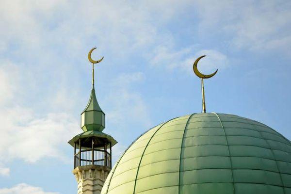 В небольших мечетях у основных дорог путники смогут совершить омовение и прочитать намаз / islam-today.ru