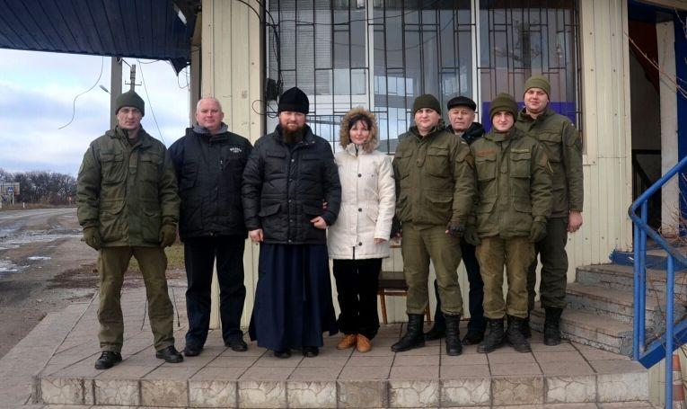 Священник поздравил воинов с праздниками и совершил молебны с молитвой о мире / eparhia.com.ua