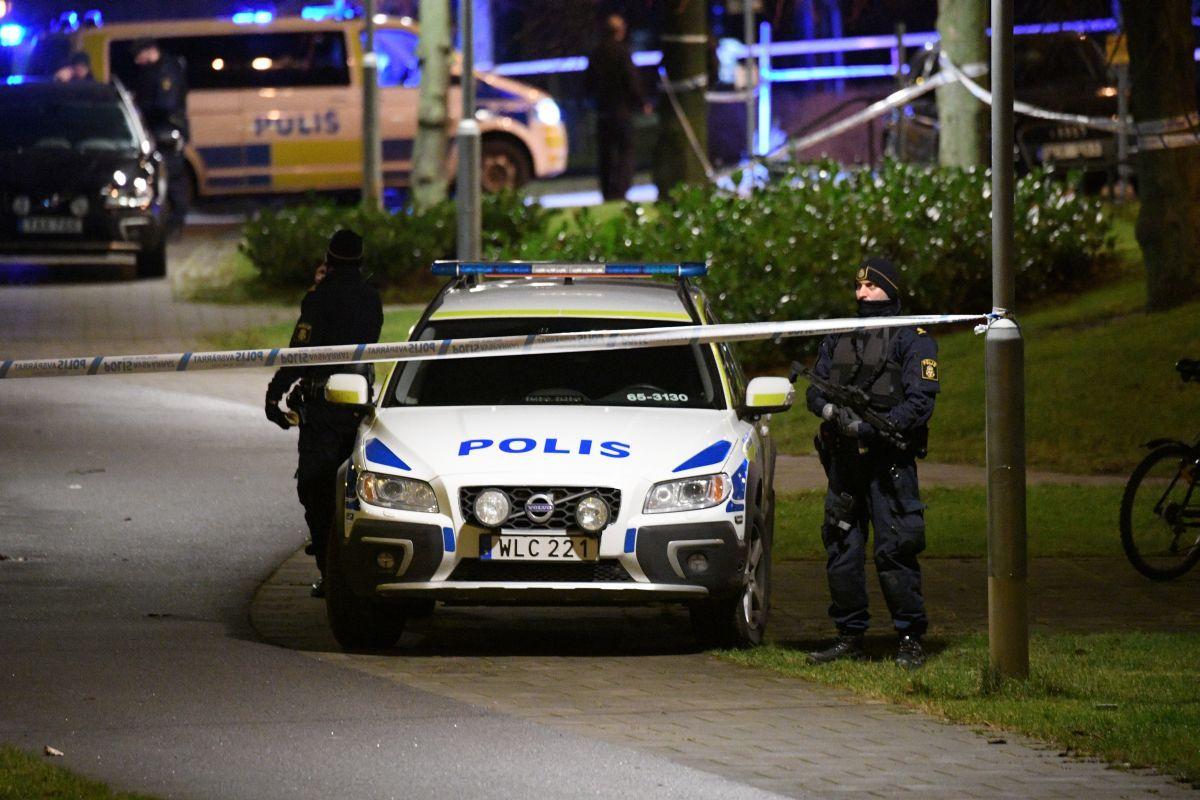 Полиция оцепила место происшествия / REUTERS