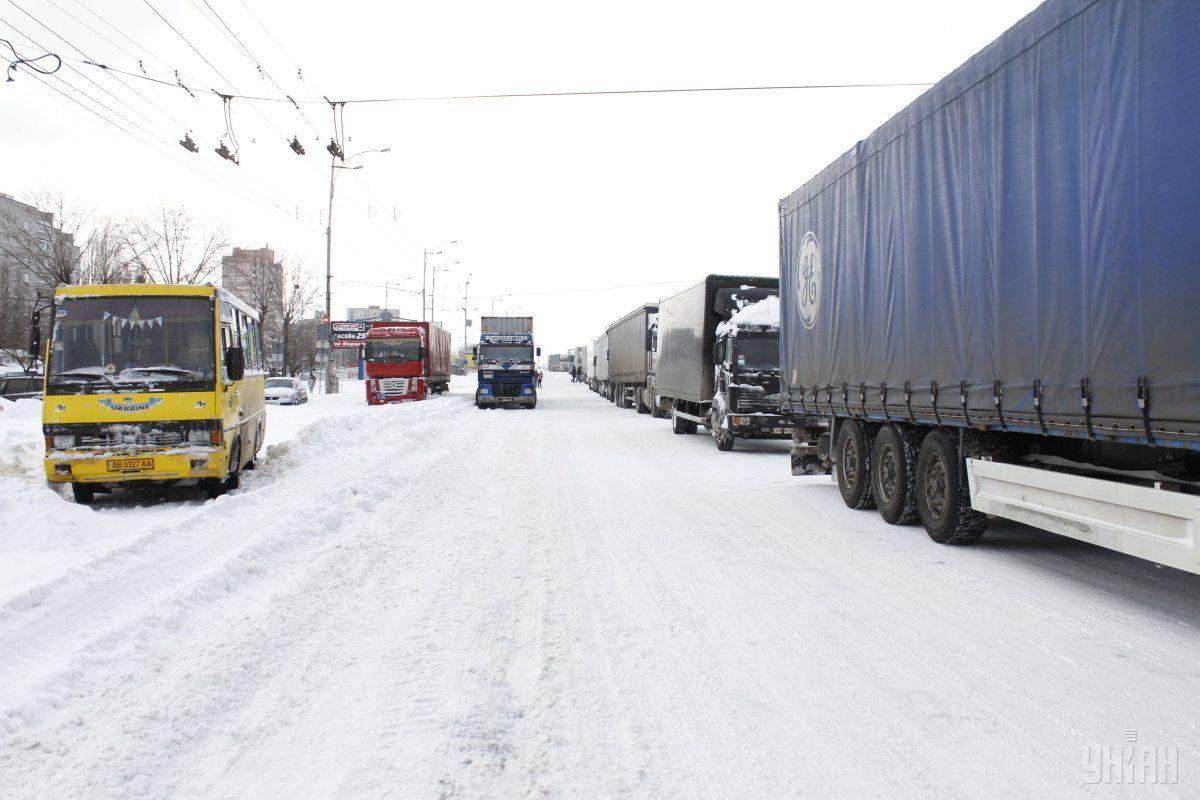 Обмеження на в'їзд вантажівок до Києва скасовані УНІАН